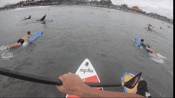 Surf en Bali con la wave 9x29 la mejor tabla de olas del mercado